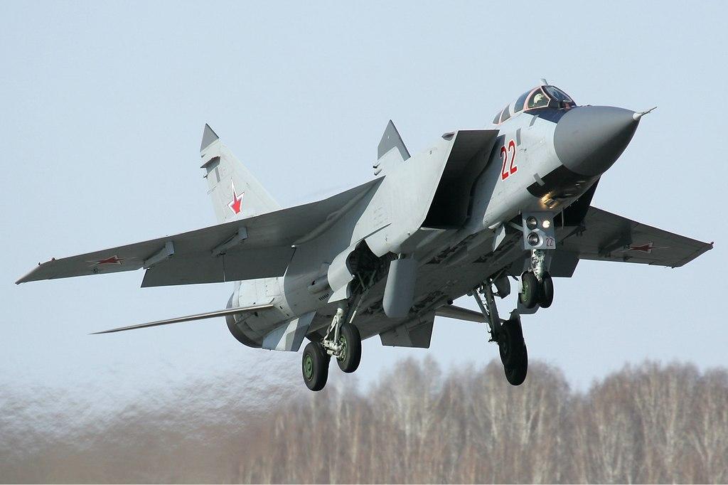 1024px-russian_air_force_mikoyan-gurevich_mig-31bm_pichugin-1