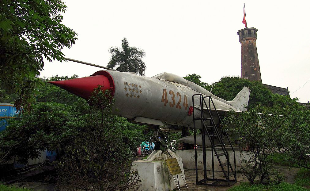 vietnam_people27s_air_force_mig-21_28432429