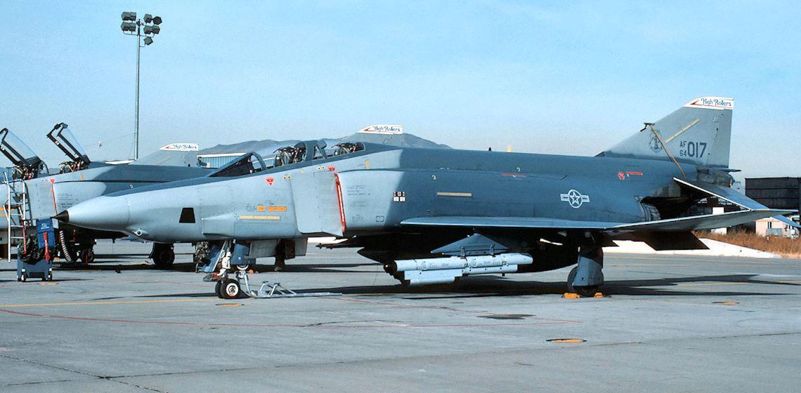 192d_reconnaissance_squadron_rf-4c_64-017_1989